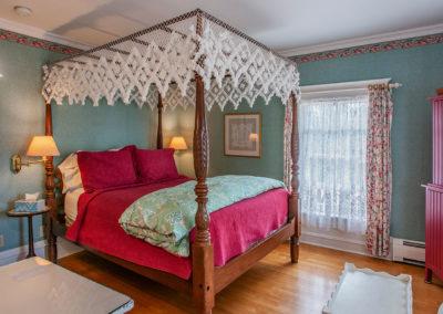 White Lace Inn room-01, Sturgeon Bay, WI